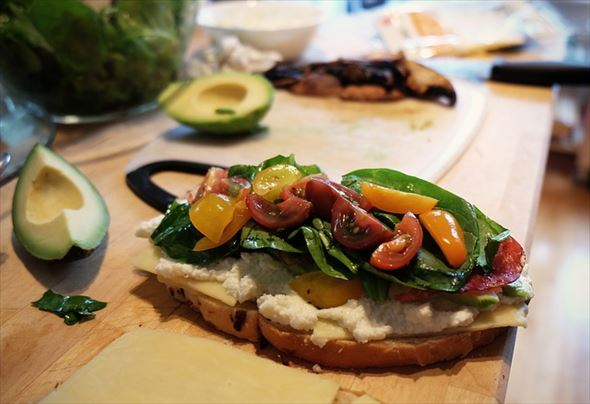sandwich-498379_640_R